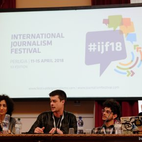 Attacchi, droga, terrorismo, spie: miti, realtà e conflitti del giornalismo cyber